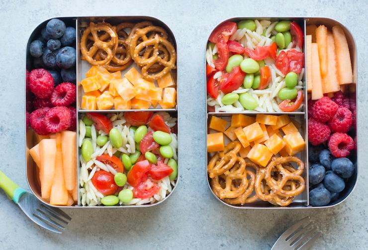 tuppers con comida saludable para llevar