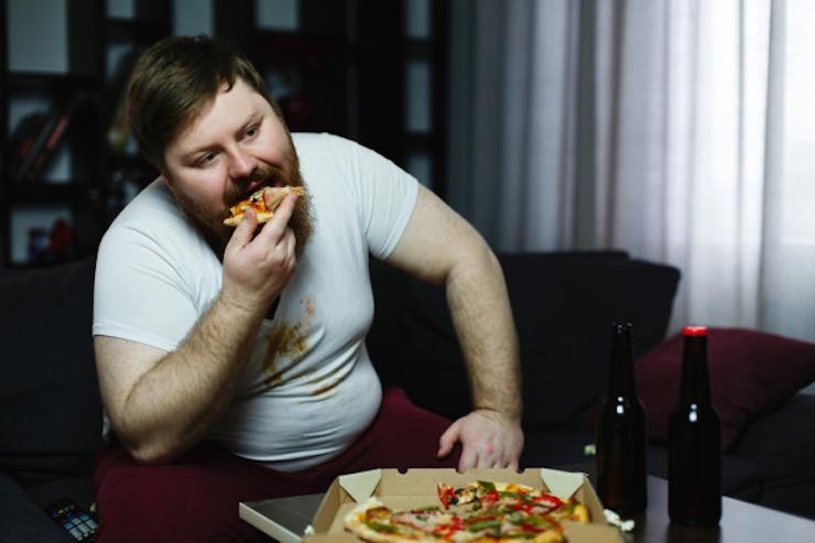La manga gástrica es recomendable en pacientes que son grandes comedores, que ingieren gran cantidad de alimentos