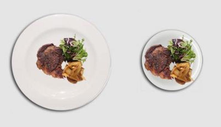 Es importante siembre comer en plato de postre con cubiertos pequeños. Observa la diferencia con la misma cantidad.