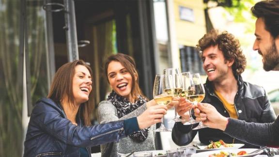 ¿Se puede beber alcohol después de una cirugía bariátrica?