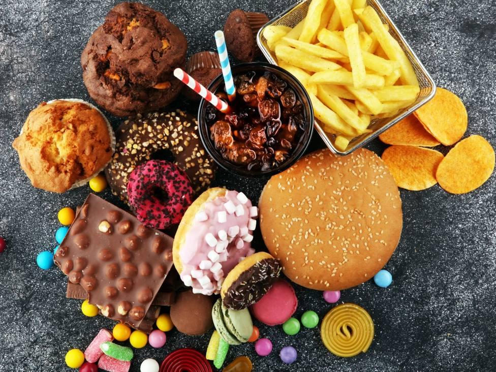¿Qué son los ultraprocesados y por qué cuesta tanto parar de comerlos?
